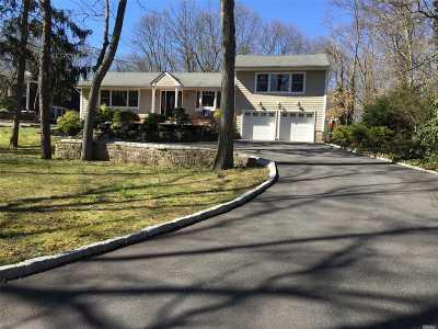 Smithtown Single Family Home For Sale: 63 McArthur Ln