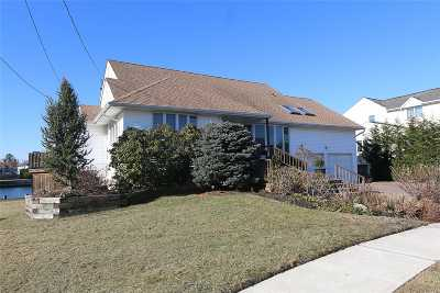 Single Family Home For Sale: 2920 Harbor Rd