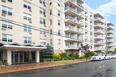 Long Beach NY Co-op For Sale: $295,000