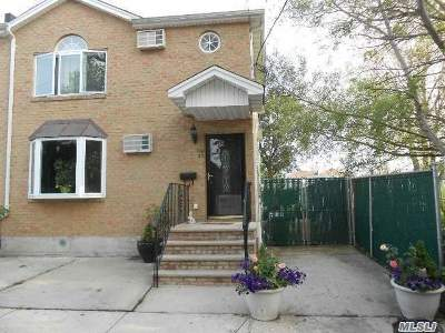 Queens County Single Family Home For Sale: 102-33 164 Rd