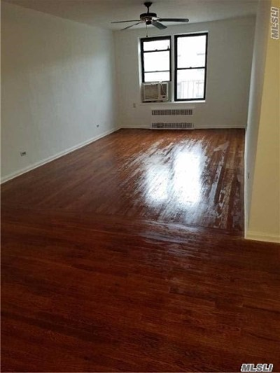 Queens County Co-op For Sale: 83-75 Woodhaven Blvd #5M