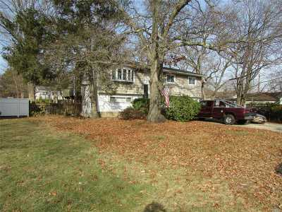 Bay Shore Single Family Home For Sale: 43 Kentucky Ave
