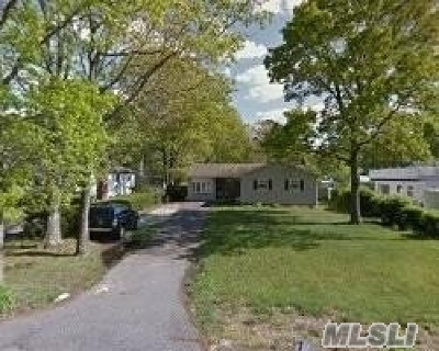 Suffolk County Single Family Home For Sale: 2262 Motor Pkwy Pkwy