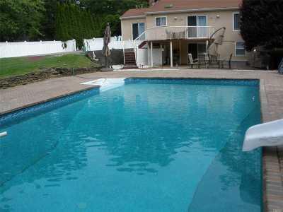 Hampton Bays Single Family Home For Sale: 1 Arbutus Ln