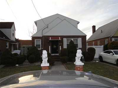 Nassau County Single Family Home For Sale: 11526 238th St