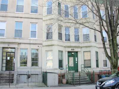 Brooklyn Condo/Townhouse For Sale: 200 Hull St