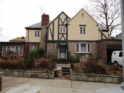 Flushing Single Family Home For Sale: 31-25 Union St