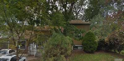 Deer Park Single Family Home For Sale: 32 Duke St