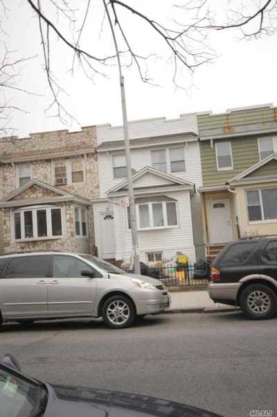 Jackson Heights Single Family Home For Sale: 32-47 78th Street