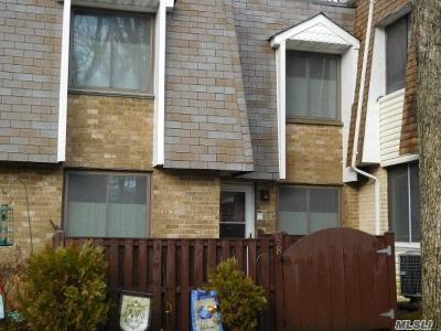 Pt.jefferson Sta Condo/Townhouse For Sale: 68 Sagamore Hills Dr