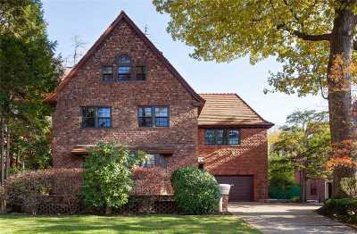 Forest Hills Single Family Home For Sale: 140 71st Ave