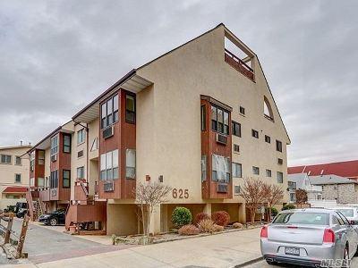 Long Beach NY Condo/Townhouse For Sale: $649,000