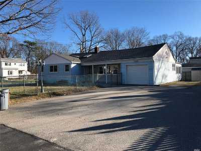 Islip Single Family Home For Sale: 60 Dartmouth St