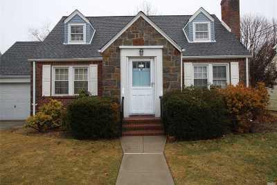 Baldwin Single Family Home For Sale: 661 Joy Blvd