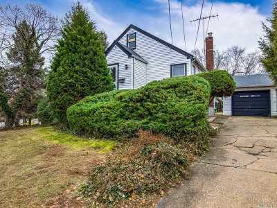 Glen Head Single Family Home For Sale: 9 North St