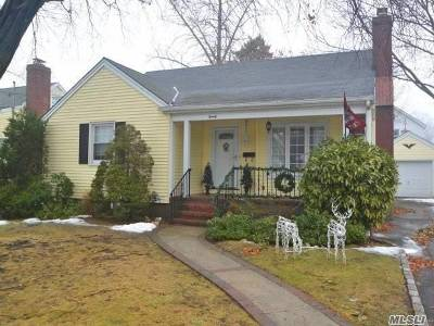 Malverne Single Family Home For Sale: 20 Slabey Ave