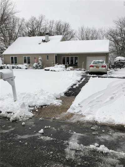 Medford Single Family Home For Sale: 8 Redpine Dr