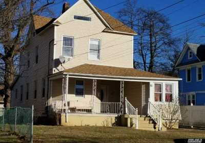 Freeport Single Family Home For Sale: 25 East Ave