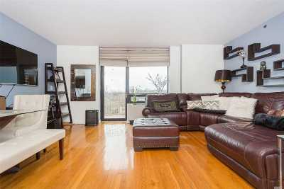 Kew Gardens, Richmond Hill Condo/Townhouse For Sale: 116-24 Grosvenor Ln #10A