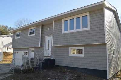 Bay Shore Single Family Home For Sale: 568 Spur Dr