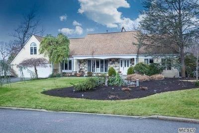 Smithtown Single Family Home For Sale: 32 Stony Hill Path