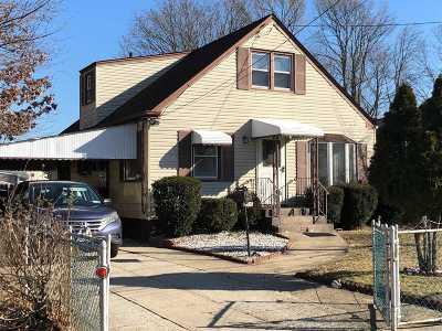 Copiague Single Family Home For Sale: 390 Vespucci Ave