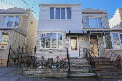 Middle Village Single Family Home For Sale: 69-46 78th St