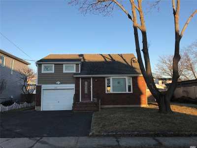 Oceanside Single Family Home For Sale: 3447 Ocean Ave