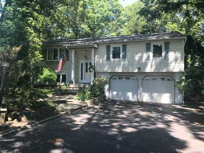 Smithtown Single Family Home For Sale: 23 Clover Dr