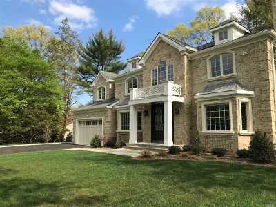 Roslyn Heights Single Family Home For Sale: 70 Dogleg Ln
