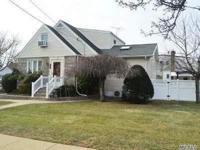 Mineola Single Family Home For Sale: 177 Sheridan Blvd