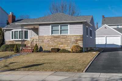 Rockville Centre Single Family Home For Sale: 116 S Kensington Ave
