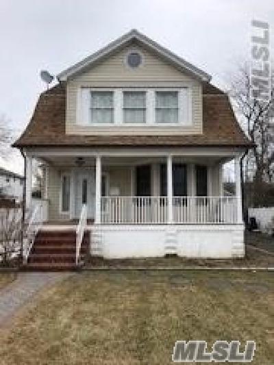 Freeport Single Family Home For Sale: 501 S Long Beach Ave