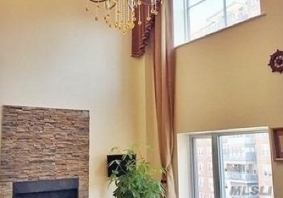 Flushing Condo/Townhouse For Sale: 42-31 Colden St #R7A