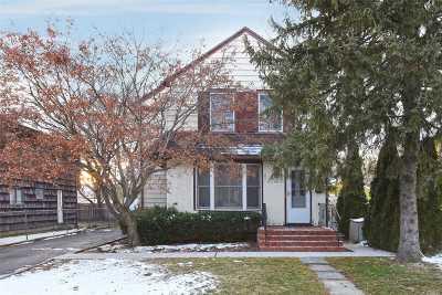 Port Washington Single Family Home For Sale: 16 Cross St