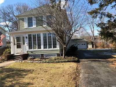 Sayville Single Family Home For Sale: 82 Roosevelt Ave