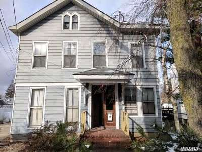 Freeport Multi Family Home For Sale: 454 W Merrick Rd