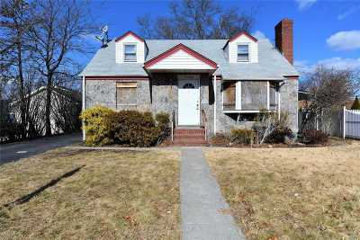 East Meadow Single Family Home For Sale: 2483 1st Ave
