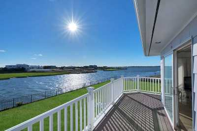 Quogue Single Family Home For Sale: 38 Quogo Neck Ln