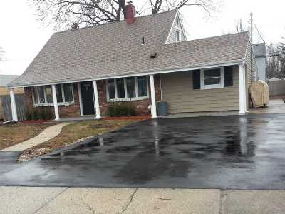 Levittown Single Family Home For Sale: 23 Sugar Maple Rd