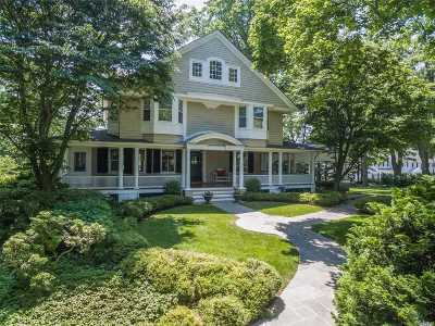 Huntington Single Family Home For Sale: 15 Harbor Hill Rd