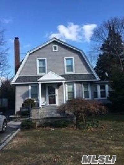 Islip Single Family Home For Sale: 67 Church Ave