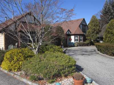 Stony Brook Single Family Home For Sale: 24 Magnet St