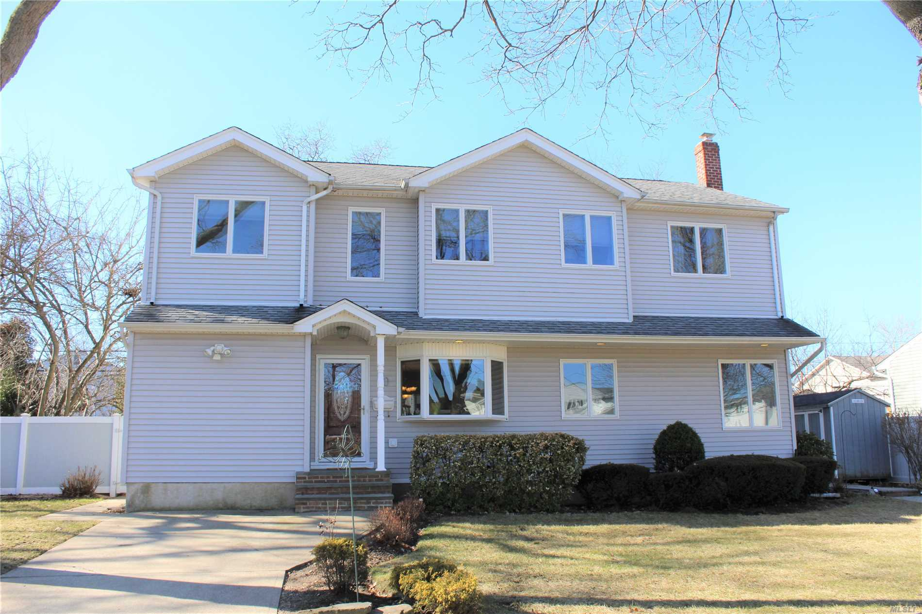Listing: 30 Frederick Dr, Plainview, NY.| MLS# 3002042 | Peter ...