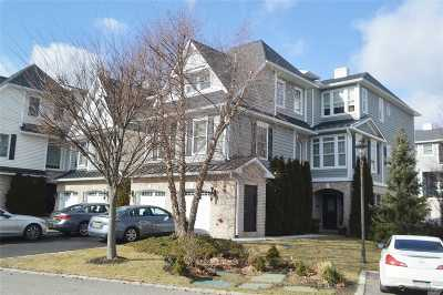 Westbury Condo/Townhouse For Sale: 501 Pacing Way