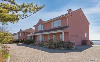 Hewlett Single Family Home For Sale: 1111 Harbor Rd