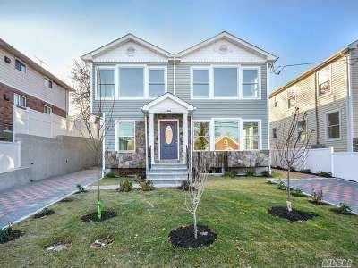 Port Washington Multi Family Home For Sale: 33 Linwood Road N