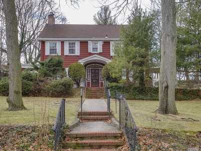 Great Neck Single Family Home For Sale: 8 Linden St