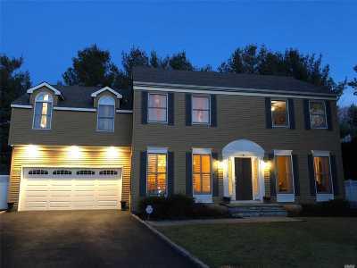 Glen Head Single Family Home For Sale: 6 Garden Court
