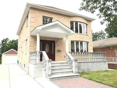 Fresh Meadows Single Family Home For Sale: 70-10 172nd St